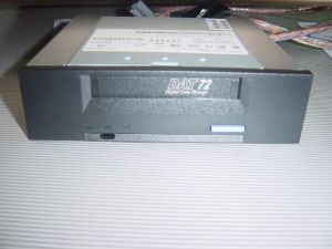 40K2553 IBM 40K2553 36-72GB DDS-5 DAT72 SCSI-LVD INTERNAL HH TAPE DRIVE ONLY.